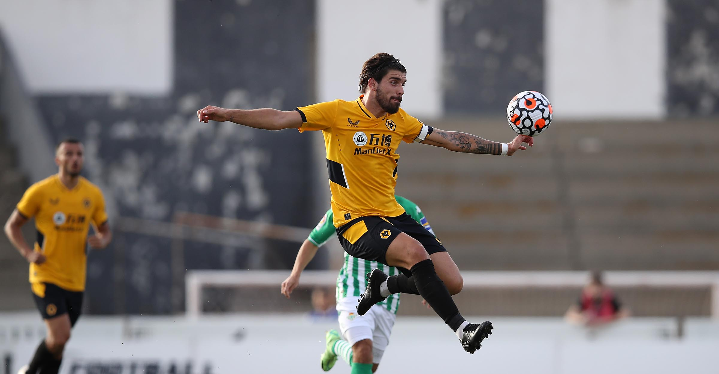 Report   Real Betis 0-1 Wolves