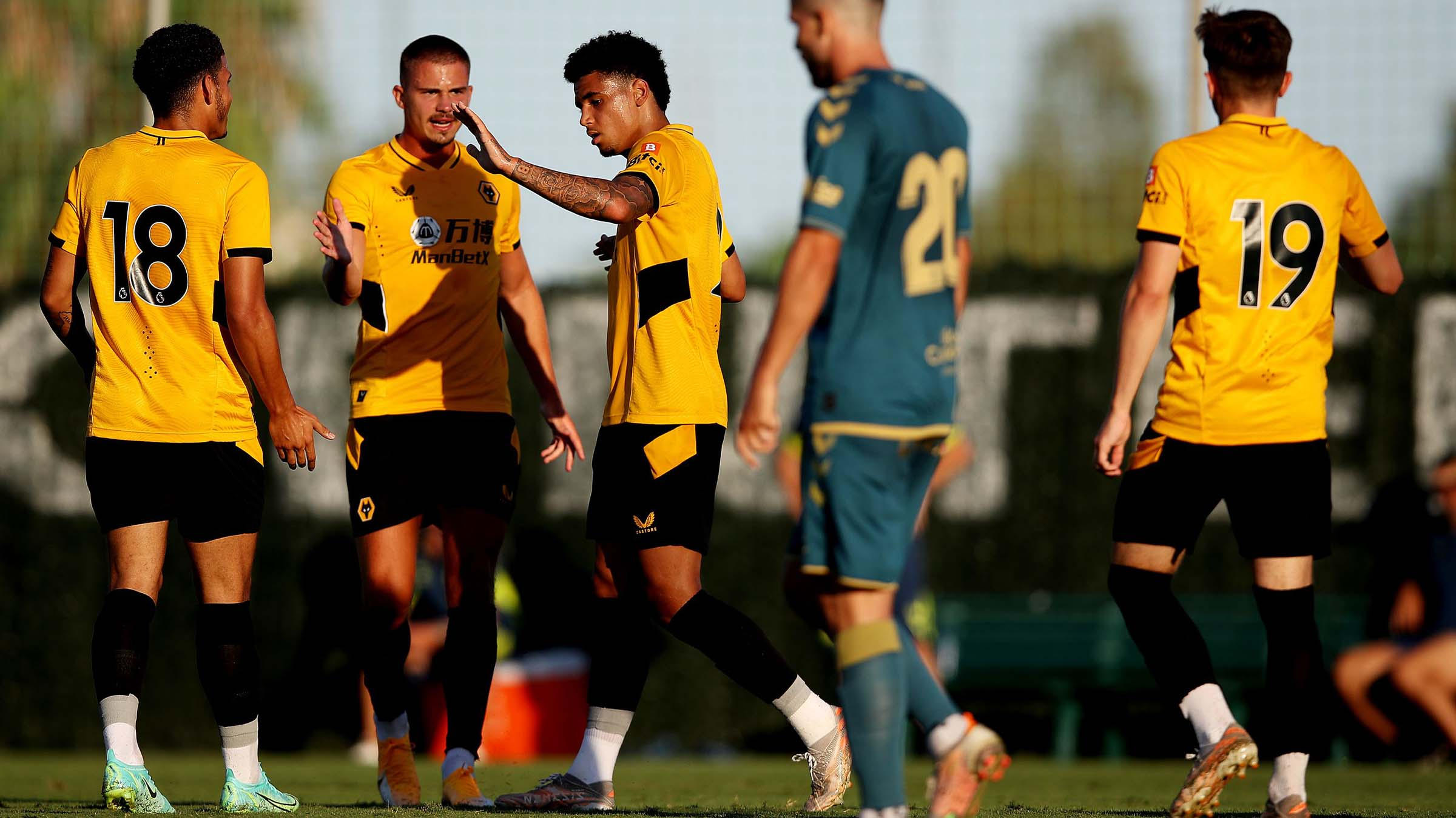 Report   Wolves 2-3 Las Palmas