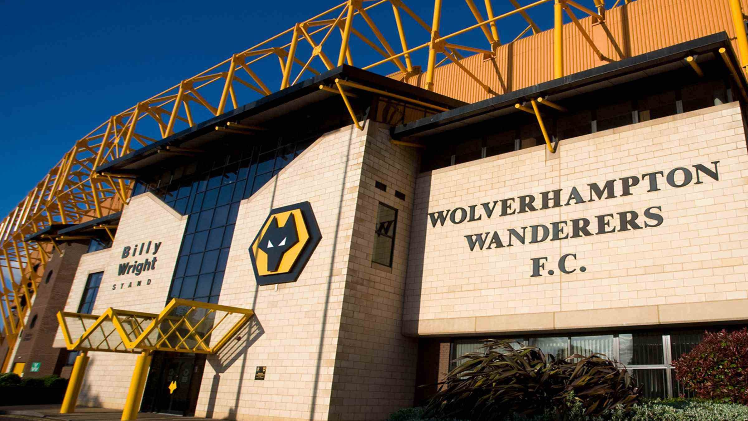Molineux-front-2